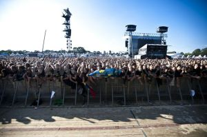 1312799551-world-largest-heavy-metal-festival-wacken_781686